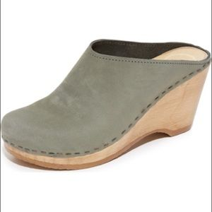 No. 6 clogs . Cute wedge style